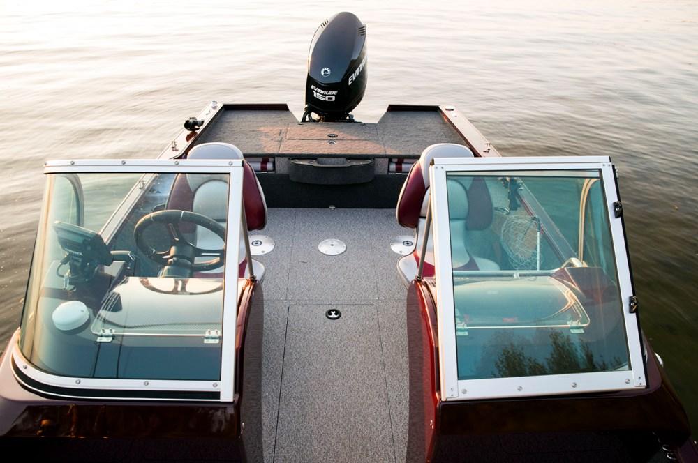 Лодка финвал 555
